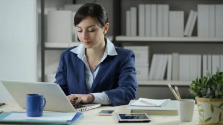 جذب کارآموز خانم در دوره های رایگان کارآموزی
